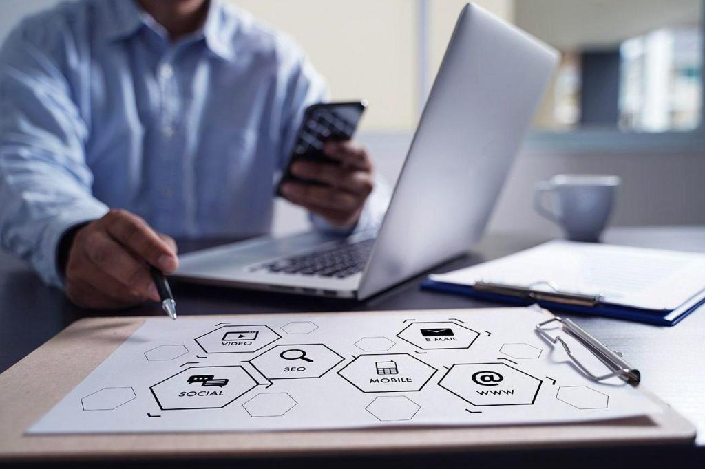 Consultant SEO définit une stratégie digitale